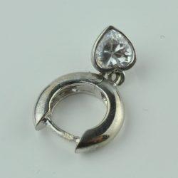 zilveren oorbel, zilveren cadeau, zilveren oorbel met diamant