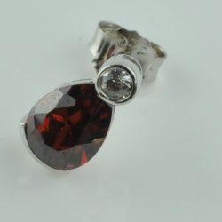 oorsteker zilver met diamant, zilveren oorsteker