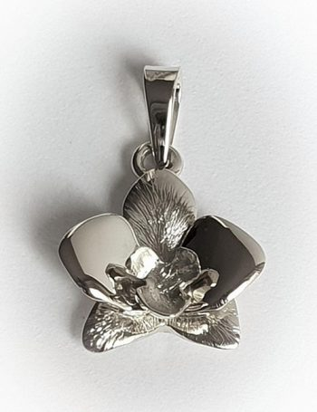 hanger van zilver, mooie hanger van zilver, originele hanger van zilver, luxe zilveren hanger, zilveren orchidee hanger, zilveren hanger, zilveren sieraad, zilveren cadeau, mooi zilver ontwerp, te koop zilveren sieraad, te koop zilveren hanger