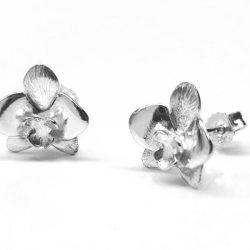 orchidee van zilver, zilveren orchidee oorknoppen, zilveren oorbellen, zilver sieraad, zilver cadeau, mooie zilver ontwerp, te koop zilver sieraad, te koop zilver oorknoppen